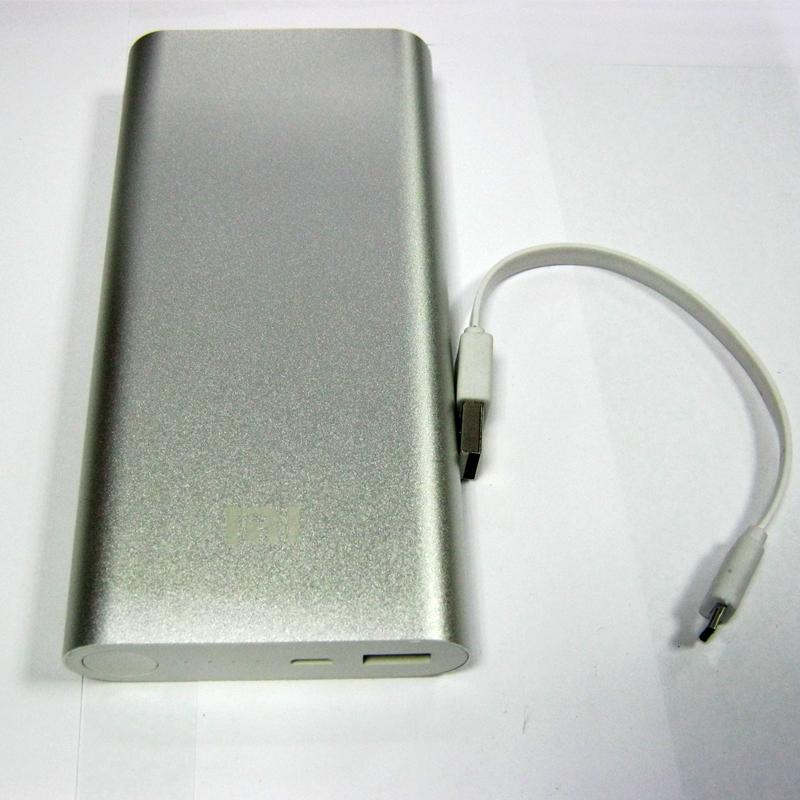 portativnoe-zaryadnoe-ustroystvo-xiaomi-usb-charger-li-ion-20800mah-5v-2-0a-real-no-9600mah